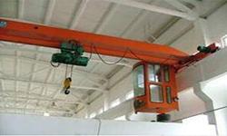 工厂车间在使用CD1钢丝绳