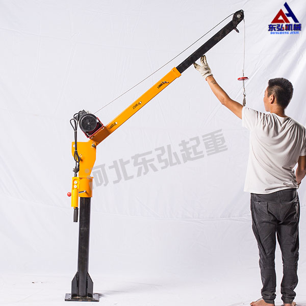 <strong>500公斤微型电动葫芦车载吊运机</strong>