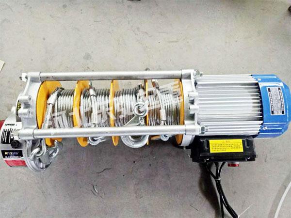新型双钩钢丝绳铝壳提升机